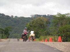 Cicloviajero austríaco llegando a David / Panamá