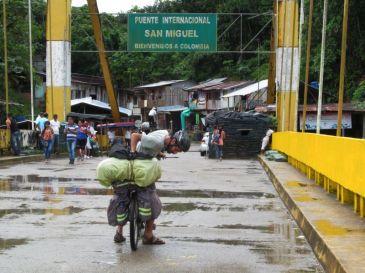 Saliendo de Ecuador, entrando a Colombia. Putumayo