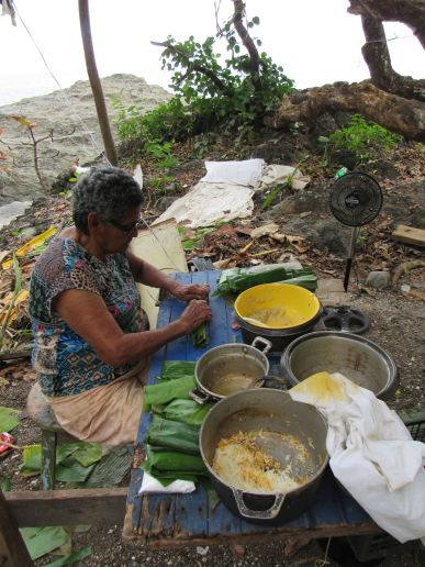 Tamales de navidad en Montezuma / Puntarenas