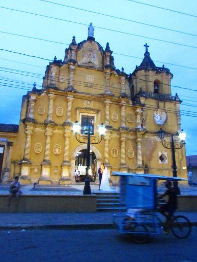 Una de las tantas iglesias de León
