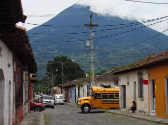 Antigua Guatemala y Volcán de Agua