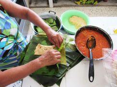Haciendo tamales con Doña Rosa - Xul Ha - Quintana Roo
